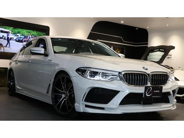 BMW 530eラグジュアリー アイパフォーマンス エナジーコンプリートカーEVO G30.1 ワンオーナー車 車検R4/6まで ヘッドアップディスプレイ ジェスチャーコントロール ブラックレザーシート PHV スペアキー有 記録簿 エナジー20AW