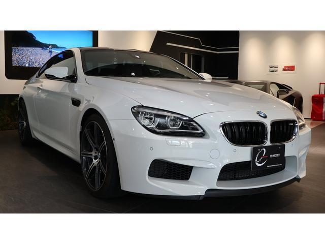 BMW コンペティション・パッケージ装着車 MDCTドライブロジック ヘッドアップディスプレイ サラウンドビュー インテリジェントセーフティー レーンディパーチャーウォーニング レーンチェンジウォーニング クルーズコントロール ハーマンカードン