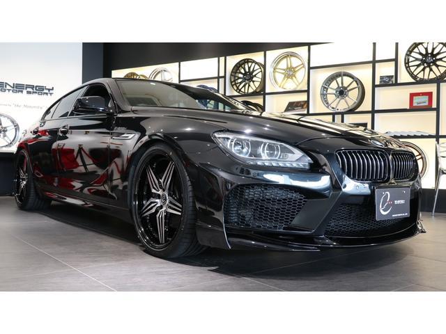 BMW 6シリーズ 650iグランクーペ Mスポーツパッケージ 新品エナジー20インチAW&タイヤ ガラスサンルーフ アダプティブLEDヘッドライト ソフトクローズドドア EDC ヘッドアップディスプレイ マルチメーターパネル 地デジ