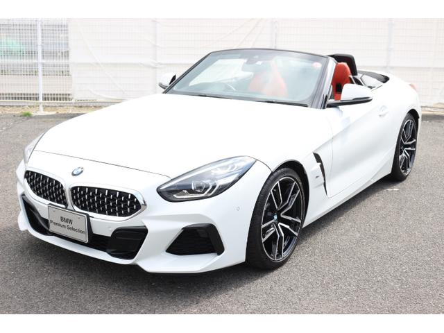 BMW sDrive20i Mスポーツ赤レザーイノベーションPKG