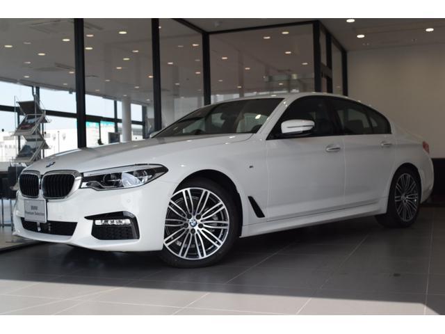 BMW 523i Mスポーツ弊社デモカー禁煙車HDDナビBカメラ