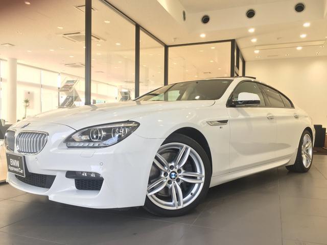 BMW 6シリーズ 650iグランクーペ Mスポーツパッケージ ブラックレザーシート ヘッドアップディスプレイ ナイトビジョン 19インチアルミホイール LEDヘッドライト ソフトクローズドア ガラスサンルーフ 禁煙車 TVチューナー