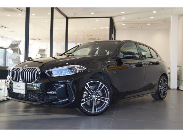 BMW 118i Mスポーツ 弊社デモカー ナビパッケージ コンフォートパッケージ フロント右電動シート ライブコクピット リバースアシスト ドライビングアシスト アンビエントライト アクティブクルーズコントロール 18AW