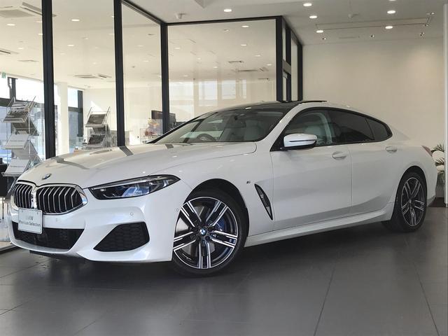 BMW 840d xDrive グランクーペ Mスポーツ アダプティブMサスペンション パノラマガラスサンルーフ 全周囲カメラ 軽減ブレーキ TVチューナー エクステンドレザーメリノアイボリーレザーシート レーザーライト Bowers&Wilkins