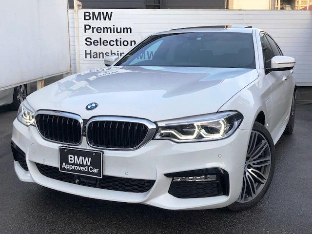 BMW 530e Mスポーツアイパフォーマンス 電動ガラスサンルーフ ブラックレザーシート フロントリアシートヒーター アクティブクルーズコントロール 液晶メーター HDDナビ 地デジ アンビエントライト オートハイビーム ハンドルアシスト19AW