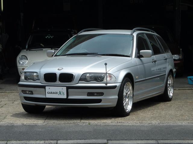 BMW 318iツーリング 黒革シート HDDナビ地デジ HID