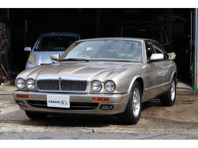 ジャガー XJ6-3.2 禁煙車 ベージュ内装 天張り交換済み
