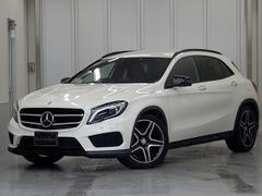 M・ベンツGLA180 スポーツ・White&Blackエディション