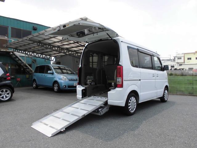 4WD 福祉車両 車いす移動車 リアシート付 シートヒーター(1枚目)