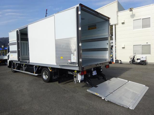 いすゞ  低温冷凍車 -30℃設定 格納ゲート ラジコン付 リヤエアサス 左片開きドア ワイド 2750kg積載