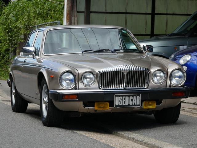 デイムラー(デイムラー) ダブルシックス 中古車画像