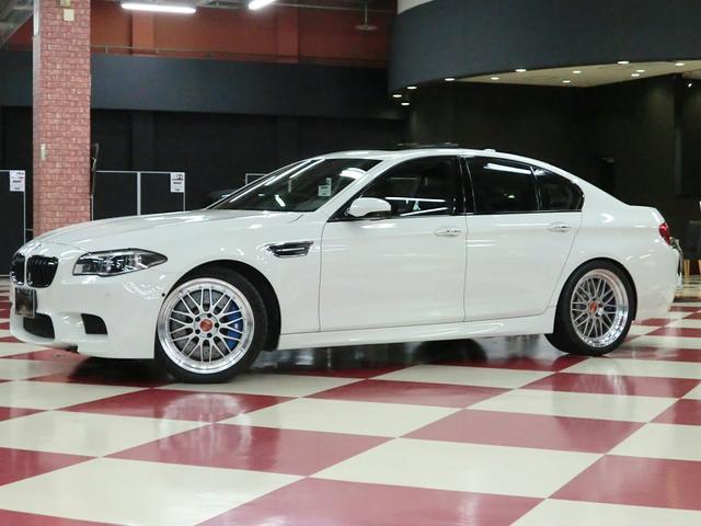 BMW M5 サンルーフ BBS20インチアルミ インテリセーフ
