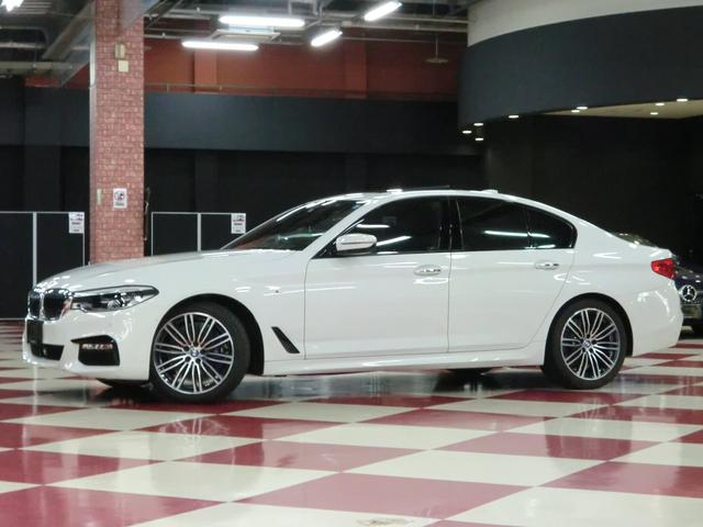BMW 530i Mスポーツ サンルーフ ディスプレイキー
