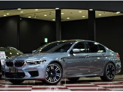 BMW M5M5 カーボンファイバー製ルーフ 20インチアルミ