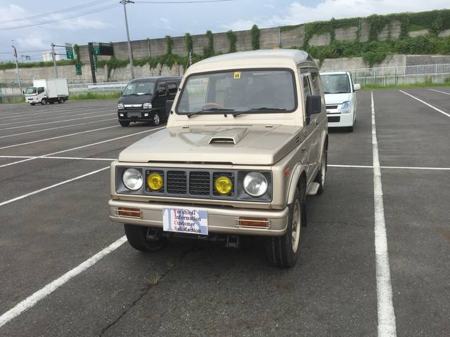 スズキ ジムニー 5速MT 4WD