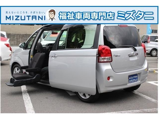 トヨタ Fウェルキャブ 助手席リフトアップシート車AタイプナビETC
