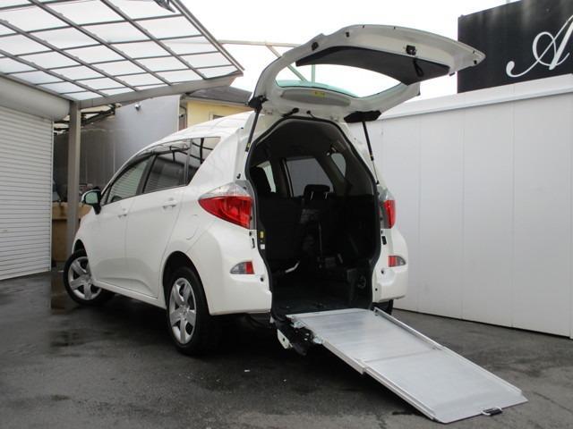 トヨタ 車いす仕様車スロープタイプ タイプI 助手席側リアシート付