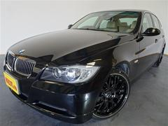 BMW323i ハイライン禁煙車本革4本新品19インチAWタイヤ