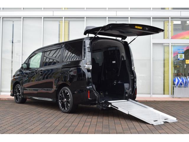 トヨタ  ZS スローパー タイプ2 サードシート付 トヨタセーフティセンス 電動固定装置 ウィンチ 両側パワースライドドア LEDライト オートライト ディスプレイオーディオ バックモニター ETC