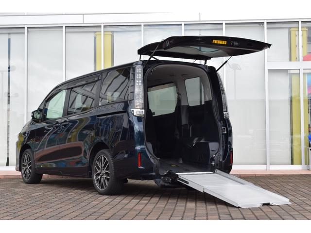 トヨタ ヴォクシー  Xウェルキャブ 車いす仕様 スロープタイプ 電動固定装置 電動ウィンチ 両側パワースライドドア 純正9インチナビ フルセグTV バックモニター スマートキー 社外アルミ ウィンカーミラー ETC