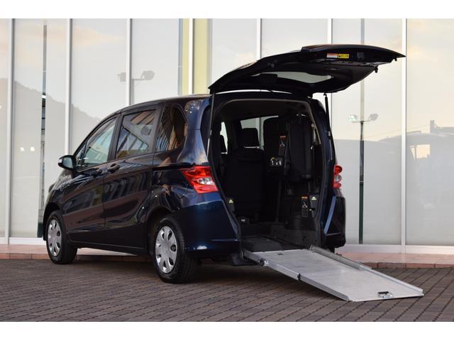 ホンダ  スローパー 車いすスロープタイプ 7人乗り サードシート有 パワースライドドア 車いす電動固定装置 カロッツェリアナビ キーレスキー セーフティベルト ABS Wエアバッグ 電格ミラー