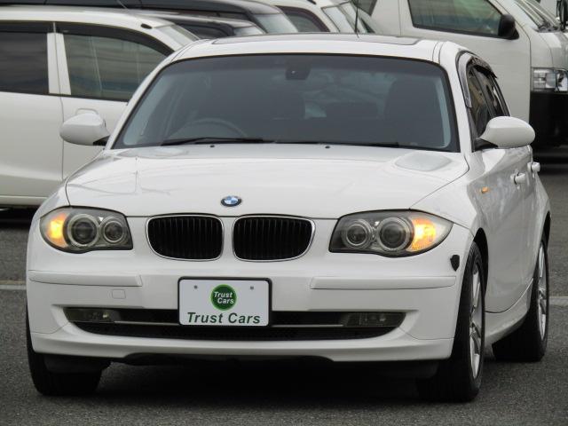 BMW 1シリーズ 120i /サンルーフ/キセノン/16AW/本革ステアリング/カロッツェリア2DINナビ/CD/Bluetooth/DVD再生/SDスロット/分離型ETC/パワーシート/6速MTモード/フォグランプ/買取車/