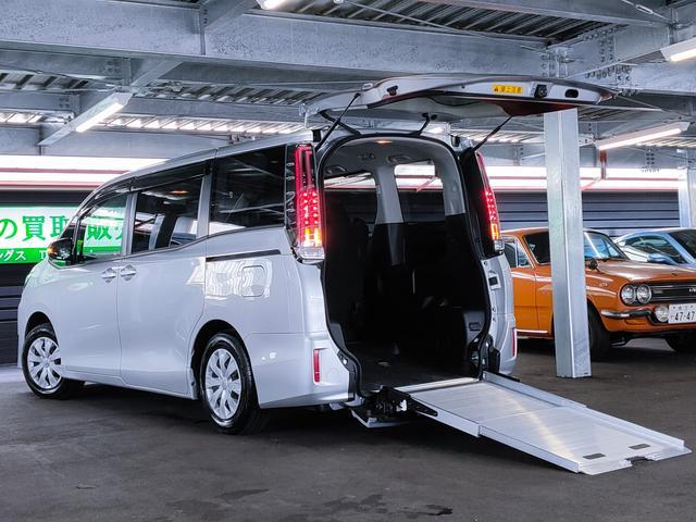 トヨタ ノア  2.0Xウェルキャブ スロープI車いす1脚/買取車/車いす移動車/スロープタイプ/衝突軽減/オートハイビーム/LEDヘッド/アイドリングストップ/パワスラ/ナビ/Bカメラ/フルセグ/DVD/クルコン/