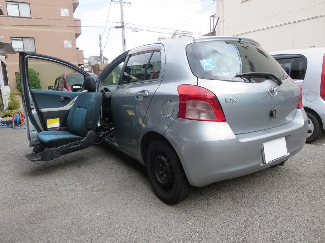 トヨタ F 助手席リフトアップシート福祉車両