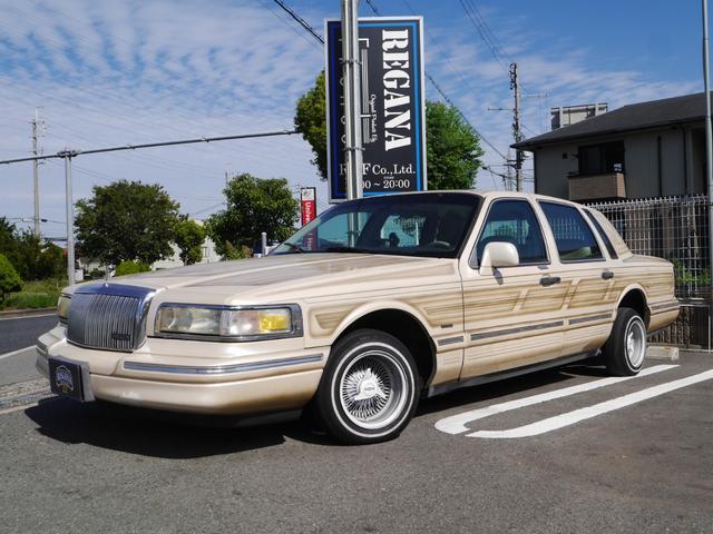 リンカーン・タウンカー カルチェ パターン塗装 13インチワイヤーホイール バネサス SDナビ TV Bカメラ サンルーフ キーレスHID