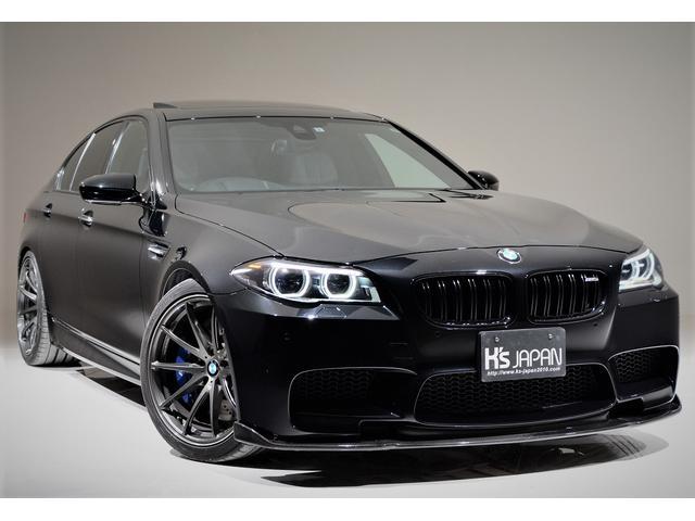BMW M5 アクラポビッチチタンマフラー RAYSボルクレーシング 電動ガラスサンルーフ 3Dデザインカーボンリアディフューザー カーボンフロントリップスポイラー LED室内灯 ディクセルブレーキパッド KWサス