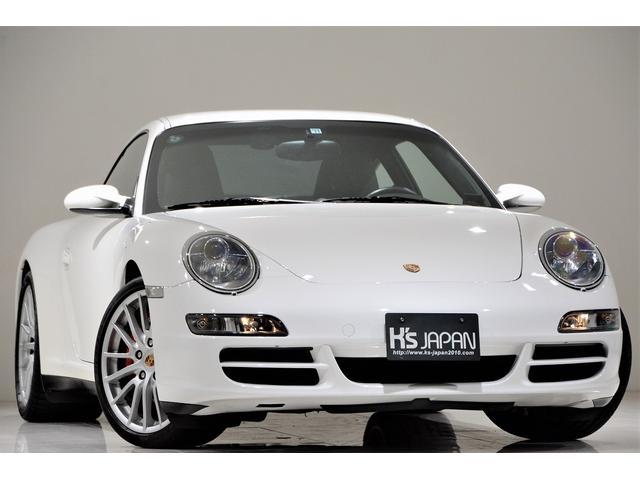 ポルシェ 911 911カレラ4S スポーツエキゾースト スポーツデザインホイール PASM クルーズコントロール レザーパッケージ アダプティブスポーツシート アルミスカッフプレート(イルミ) 自動防眩ミラー 社外ナビ バックモニター