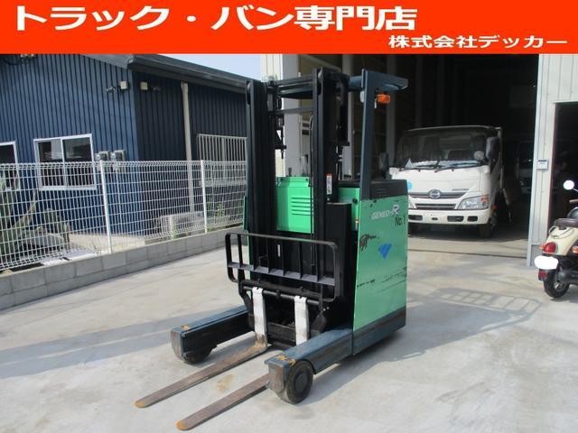 日本その他 トヨタ 最大荷重1250kg バッテリー 2段マスト アワーメーター7831.5h 最大揚高3000MM ツメ長さ1070mm ノーパンクタイヤ 車両重量2050kg