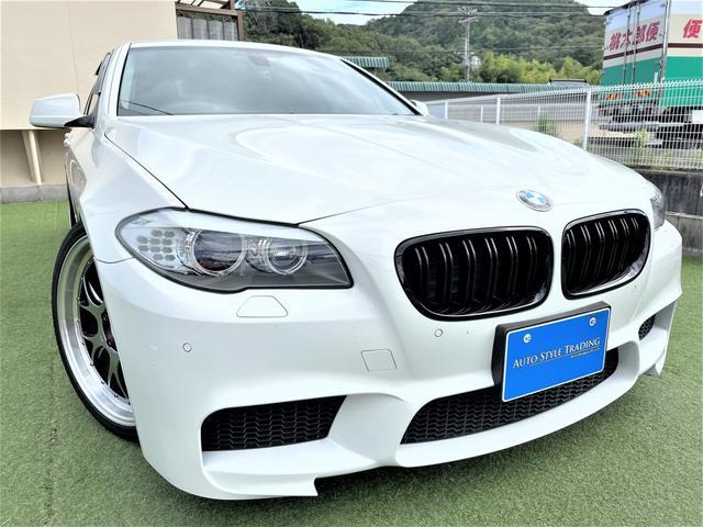 BMW 5シリーズ 523i ハイラインパッケージ 革/Mパフォーマンスエアロ BBS20インチAW/Largus車高調/Mパフォーマンスフルエアロ/社外デュアルマフラー/純正ナビ/黒革シート/バックカメラ/ETC/シートヒーター/クリアランスソナー/HIDヘッドライト