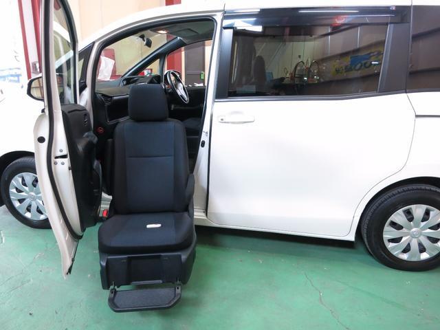 トヨタ X サイドリフトアップシート
