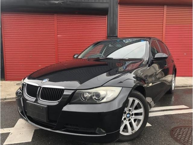 BMW 320i ハイラインパッケージ 黒レザー 社外ナビ
