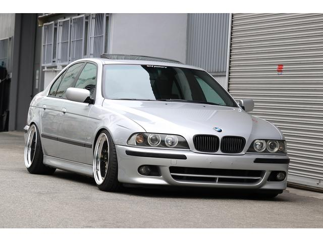 BMW 525i Mスポーツ INDIVIDUAL カスタム