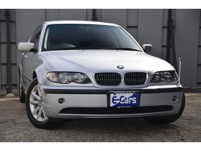 BMW 3シリーズ 320i ハイラインパッケージ E46 AV22 後期 チタンシルバー354 黒革シート シートヒーター 運転席・助手席パワーシート(運転席メモリー付)革巻きハンドル ウッド調パネル・シフトノブ リア分割可倒シート トランクスルー