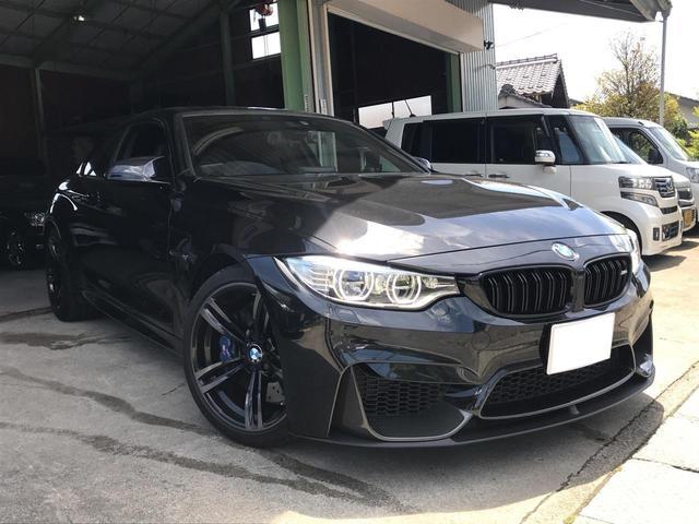 BMW M4クーペ スポーツステアリングホイールIIディスプレイ付き