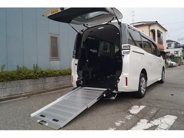 トヨタ 車椅子仕様車 タイプ1 車いす2台積