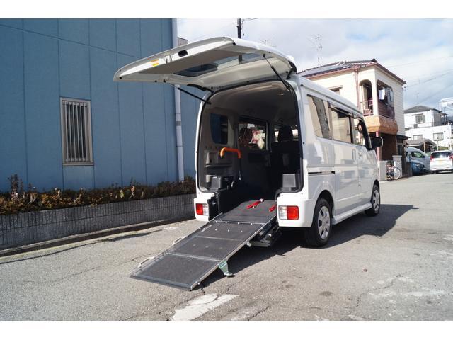 スズキ 車いす移動車 分割式リヤシート付 レーダーブレーキサポート
