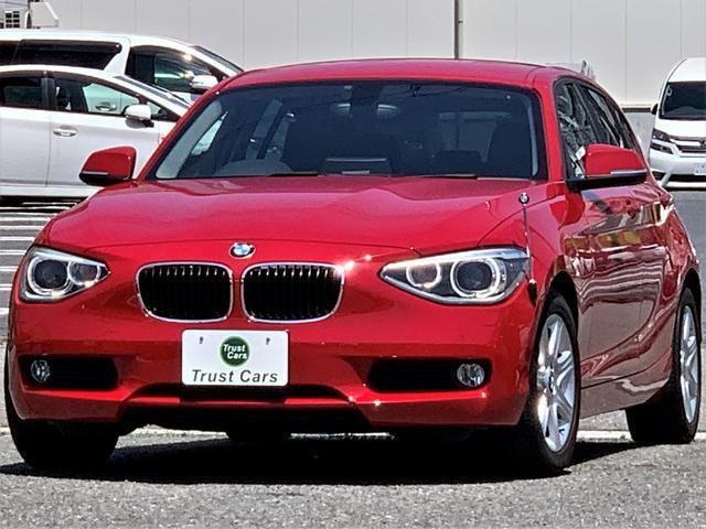 BMW 116i /ターボ/8速AT/DPC/LEDポジション/キセノンヘッド/LEDリヤコンビ/16AW/ナビ/フルセグ/バックカメラ/レザーステア/ETC/シートヒーター/禁煙車/車検整備付