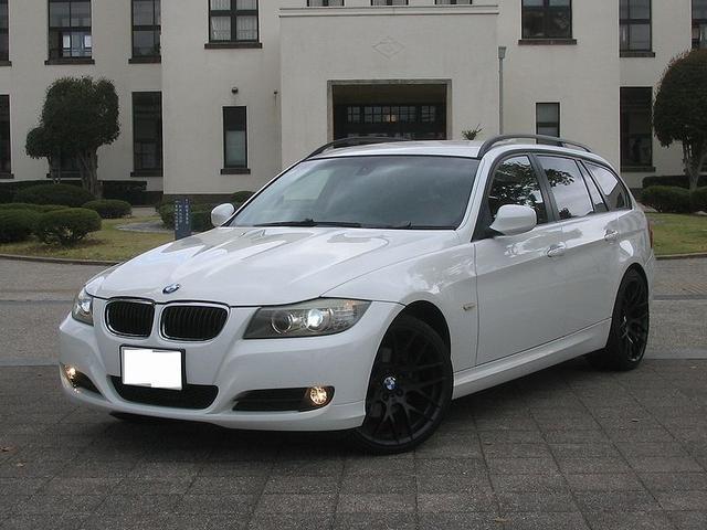 BMW 320iツーリング ハイラインパッケージ 純正i-drive HDDナビ 地デジチューナーTV バックモニター ミラー内蔵ETC 本革シート フロント電動 シートヒーター 19icアルミホイール キーフリー HIDヘッドライト イカリング