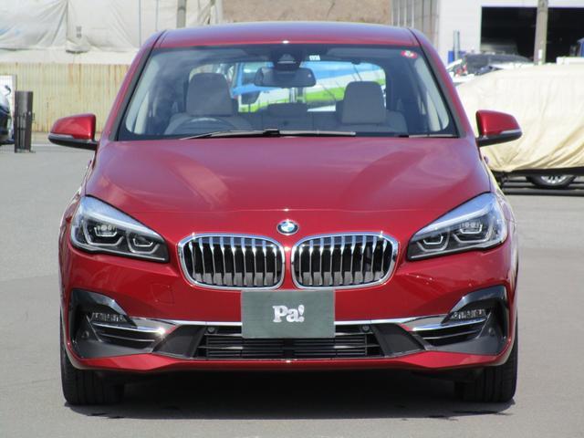 BMW 218iアクティブツアラー ラグジュアリー ディーラー使用車 白革 コンフォートパッケージ アドバンスドアクティブセーフティパッケージ クルーズコントロール ヘッドアップディスプレイ ハンズフリー電動テールゲート 電動シート シートヒーター