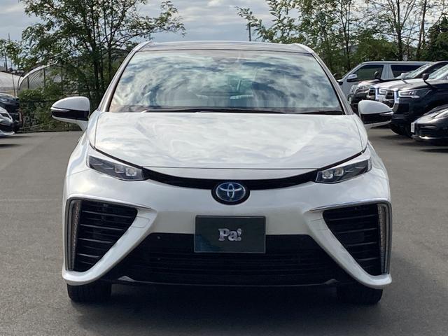 トヨタ ベースグレード 走行3750km・水素燃料電池自動車