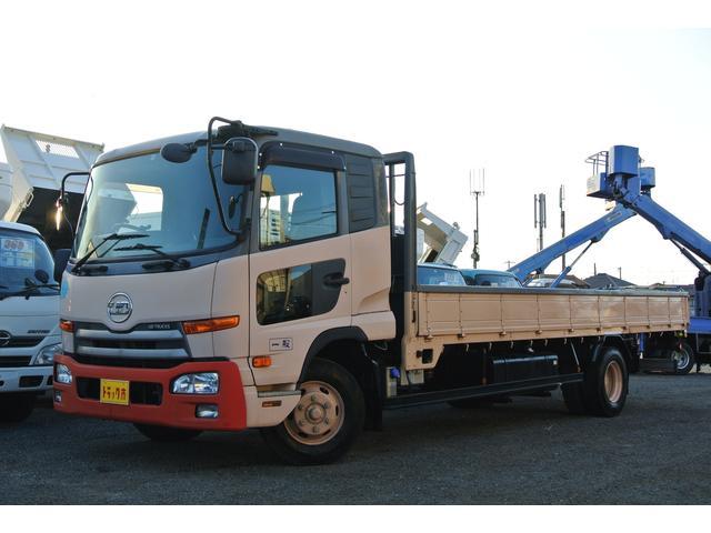 UDトラックス 平ボディー 積載量3800kg ベット付 荷台床鉄板張り
