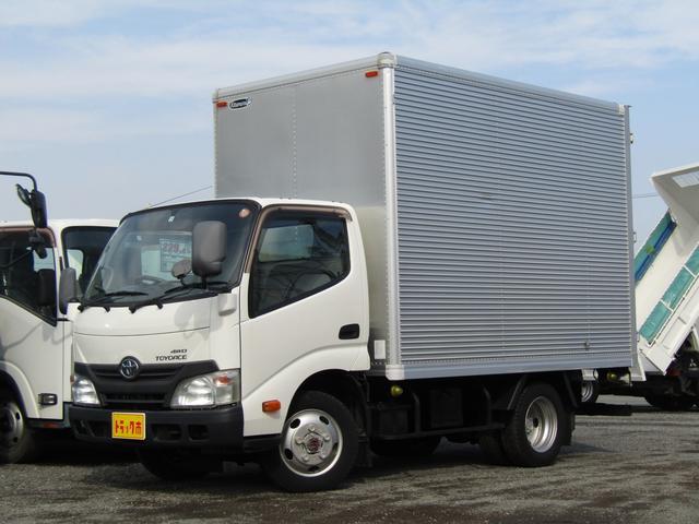 トヨタ アルミバン4WD積載2t全低床 アルミバン 4WD 積載2000kg 全低床 荷台床板張り ラッシングレール 荷台扉ストッパー付 荷室灯 排出ガス浄化装置 ETC ラジオ