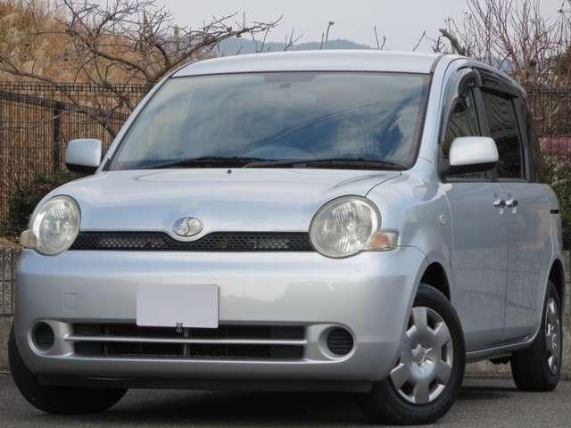 トヨタ Xリミテッド キーレス HID ETC 3列シート 禁煙車