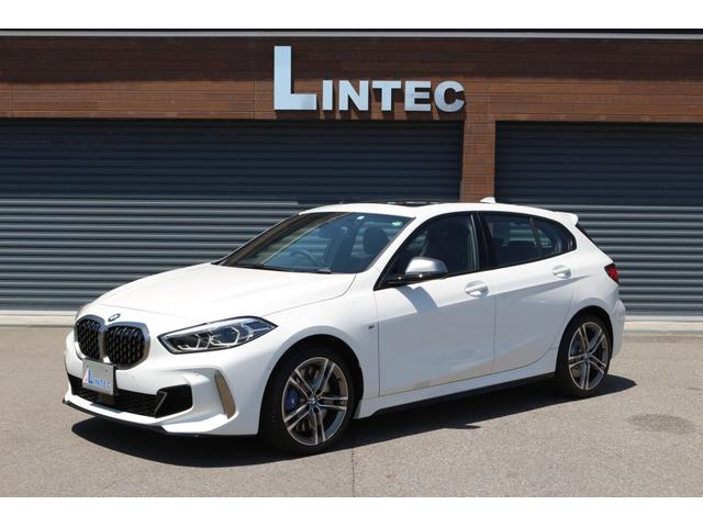 BMW 1シリーズ M135i xDrive 法人ワンオーナー HDDナビ 2カメラドラレコ パノラマサンルーフ インテリジェントセーフティ 正面衝突警告ブレーキ 車線逸脱警告 ステアリングサポート 車線変更警告 アダプティブクルーズコントロール