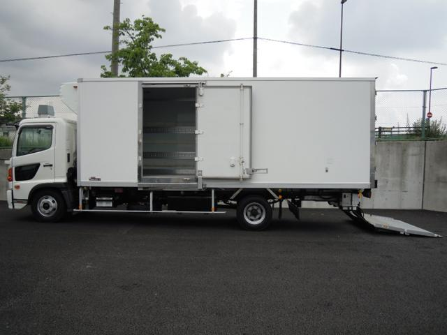 日野 2.6t積冷蔵冷凍車・格納ゲート・スタンバイ付・-32℃設定