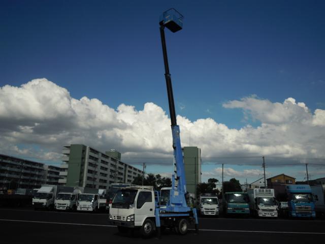 いすゞ 11.9m高所作業車・全低床
